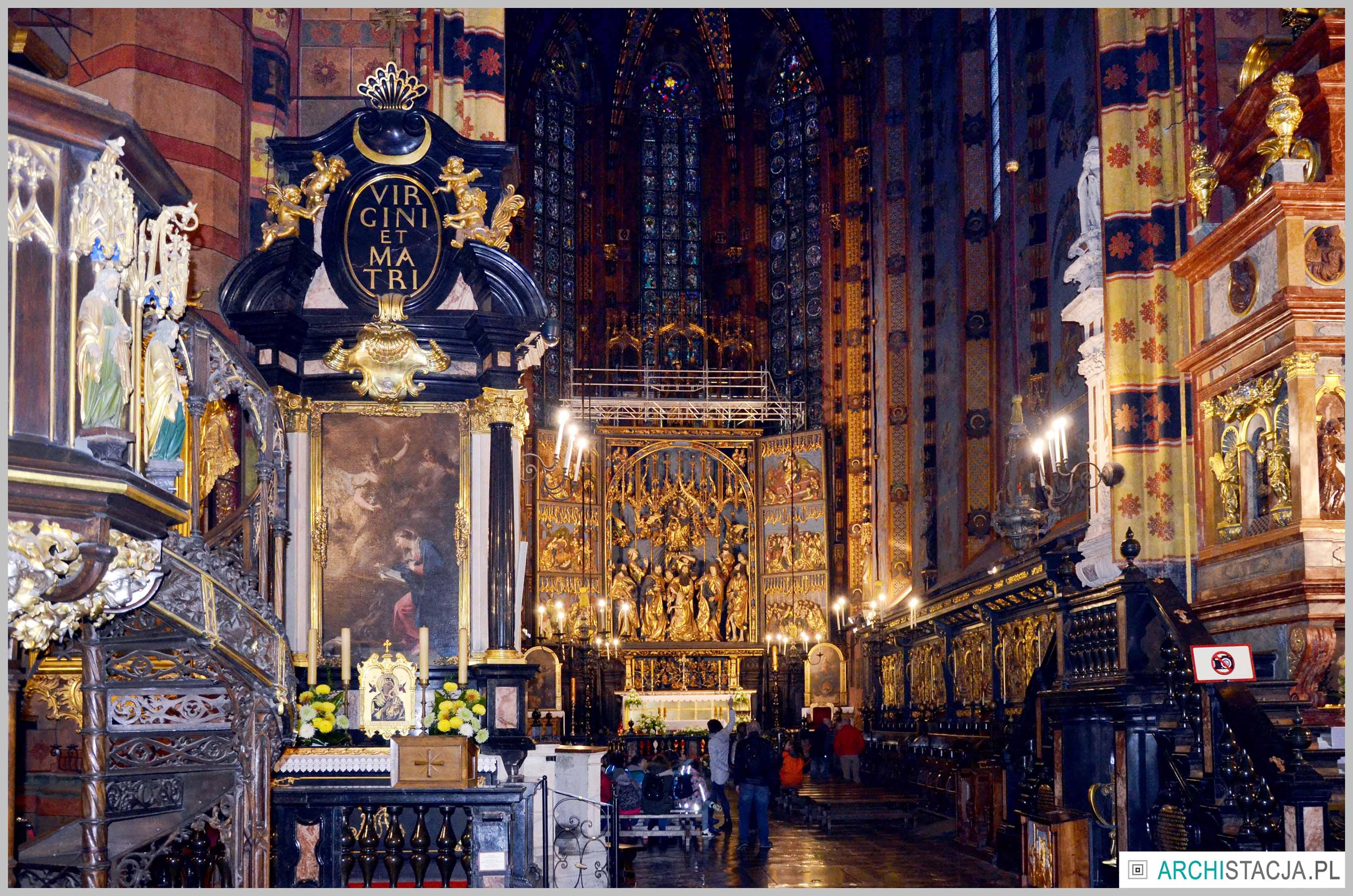 kościół mariacki wnętrze