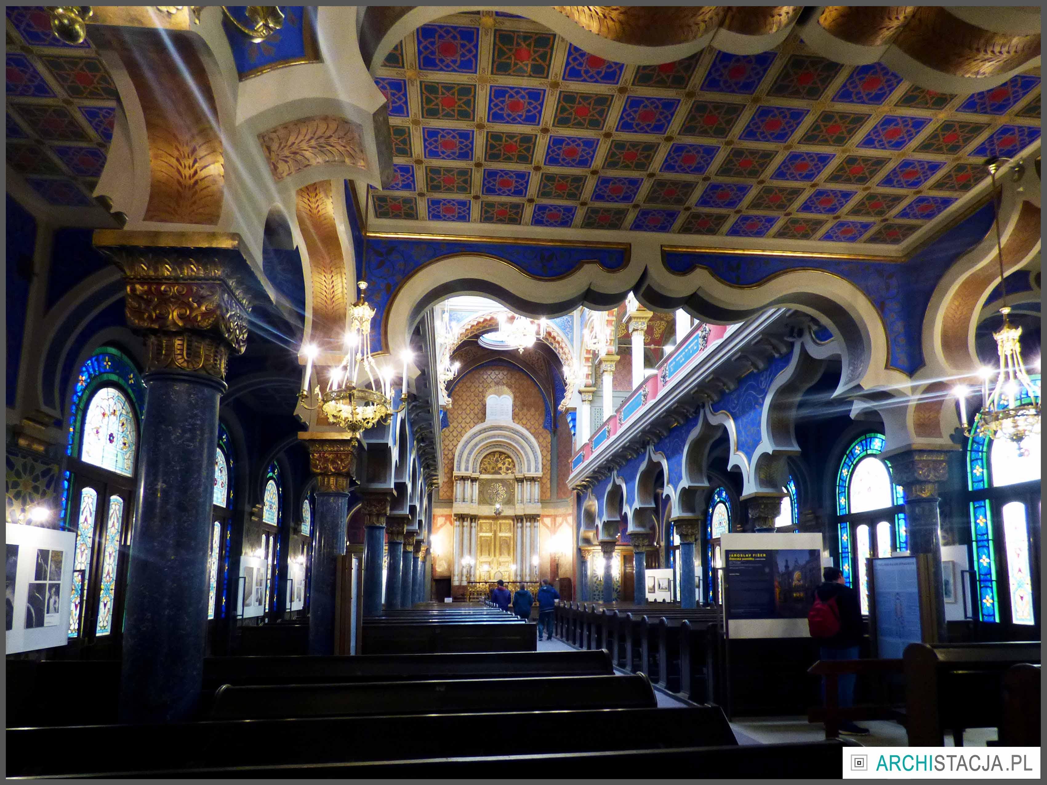 synagoga wnętrze