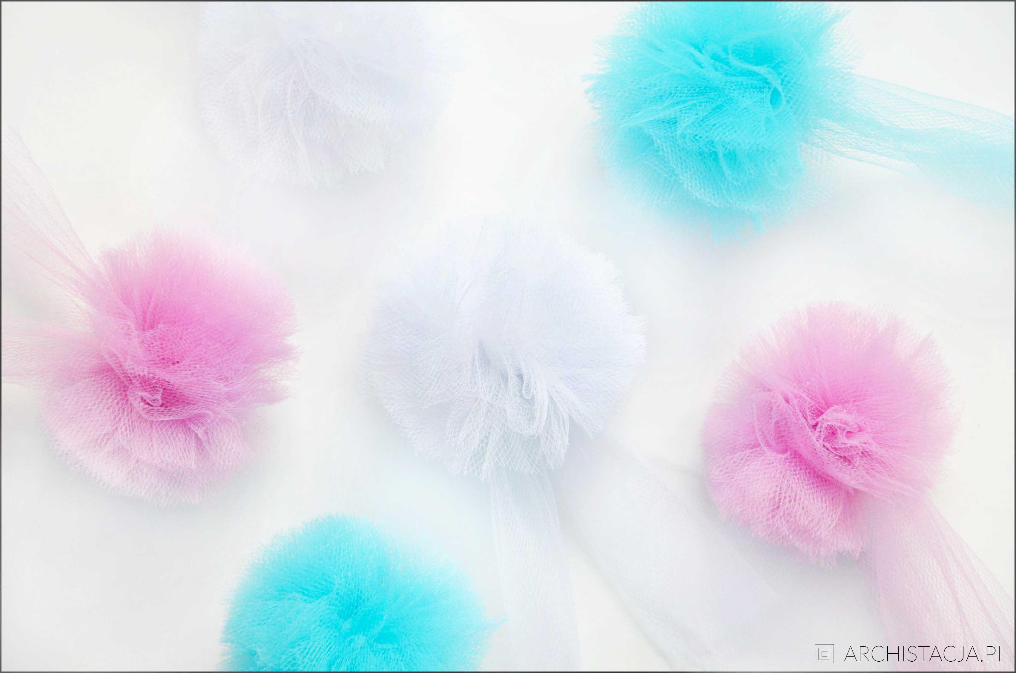 tiulowe pompony