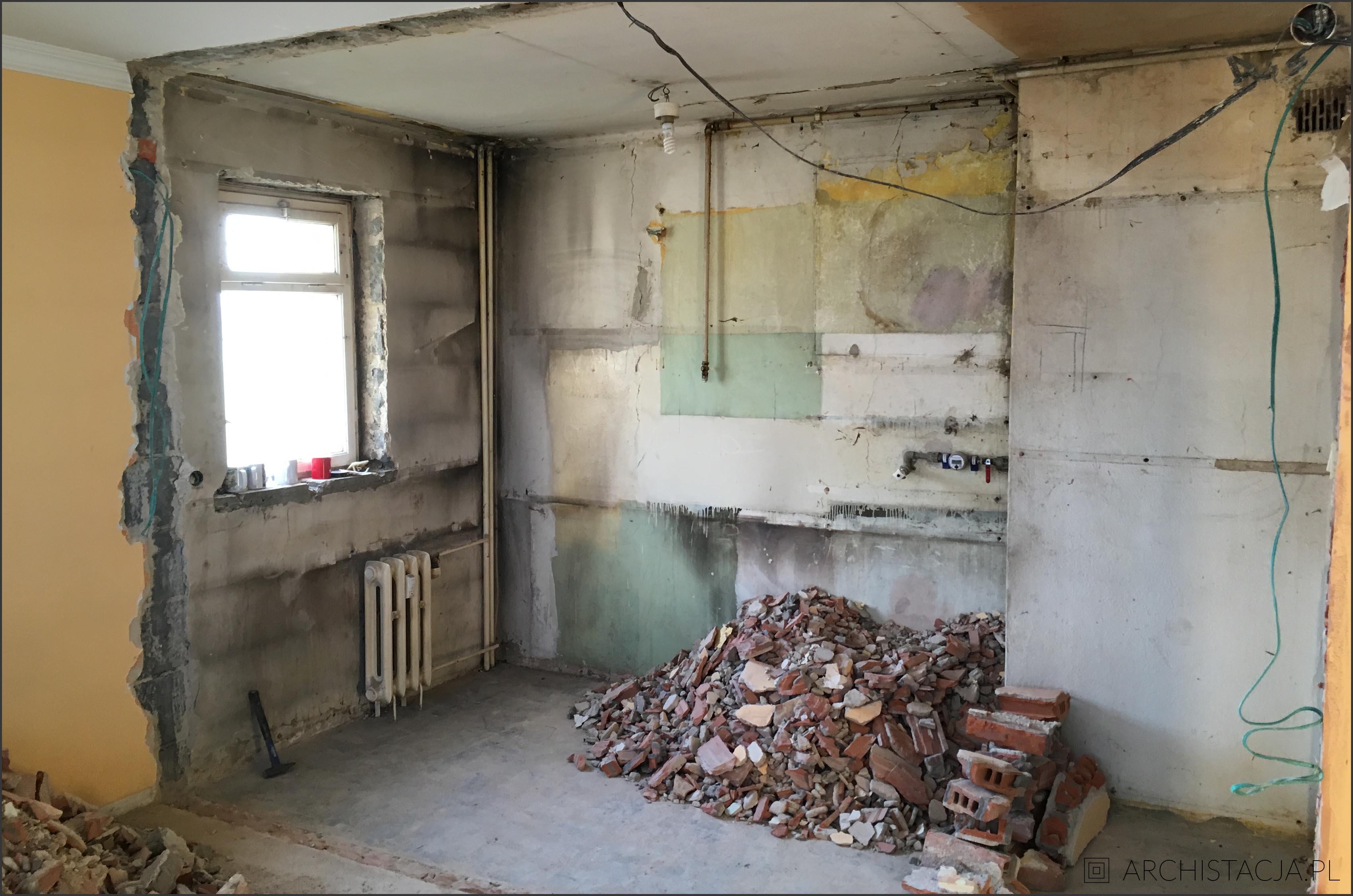 salon z kuchnią w bloku