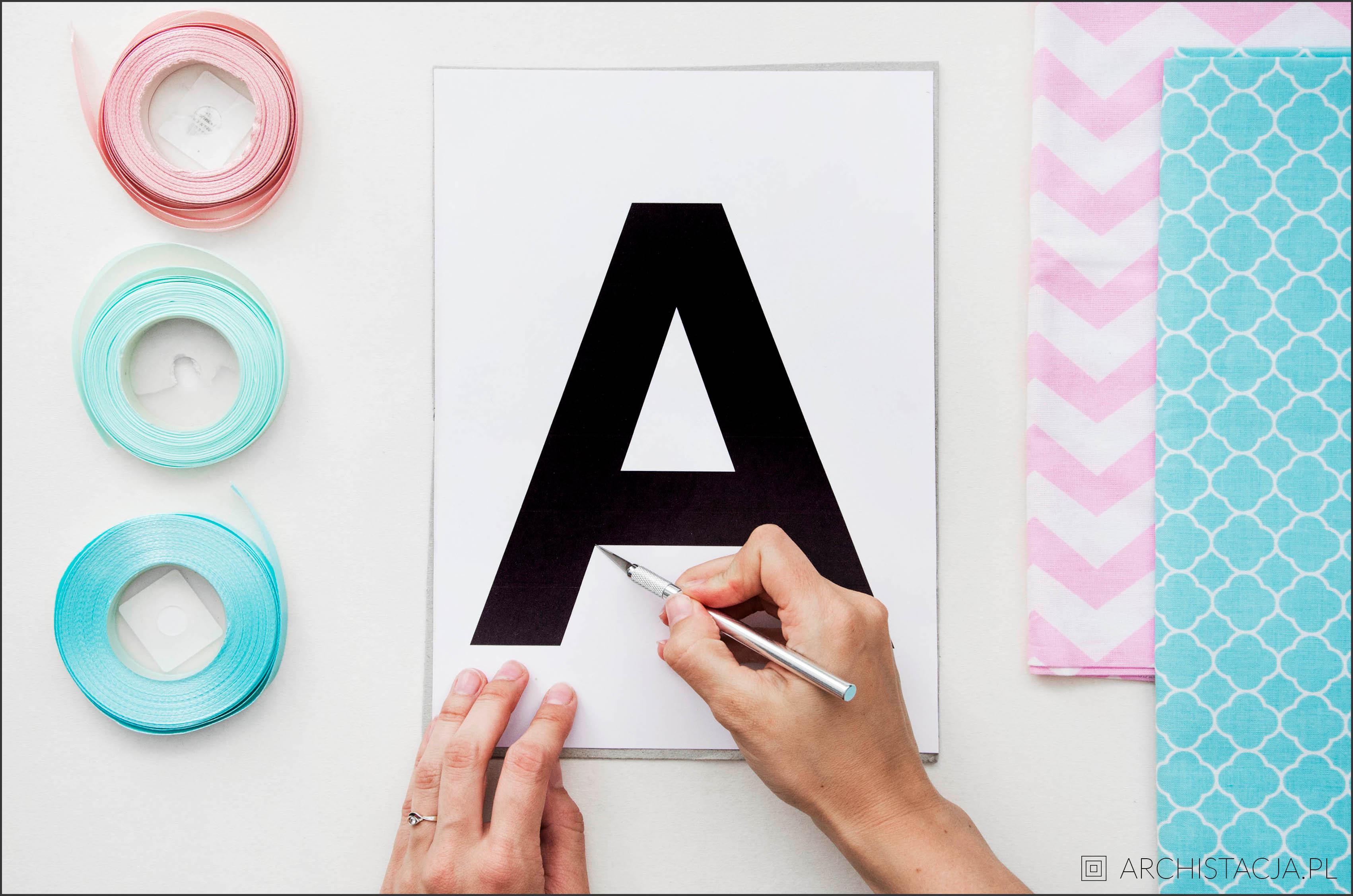 literki na ścianę
