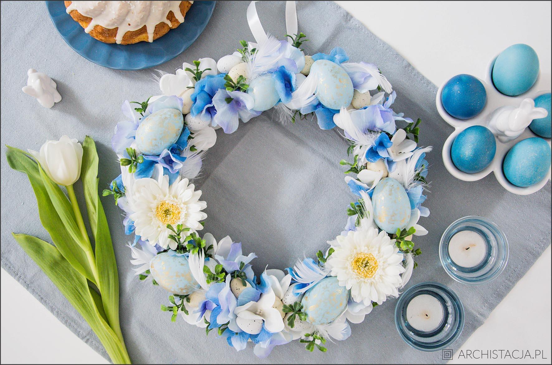 Wielkanocny wianek DIY z niebieskim akcentem